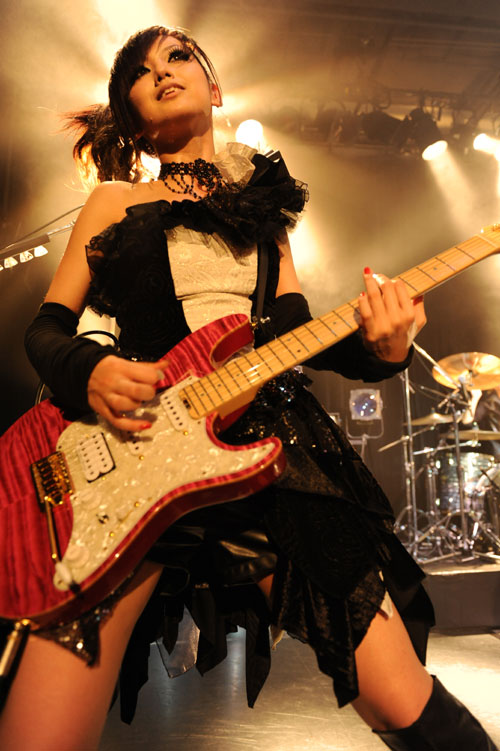 JRock247-exist-trace-at-Daikanyama-Unit-2011-11-p3