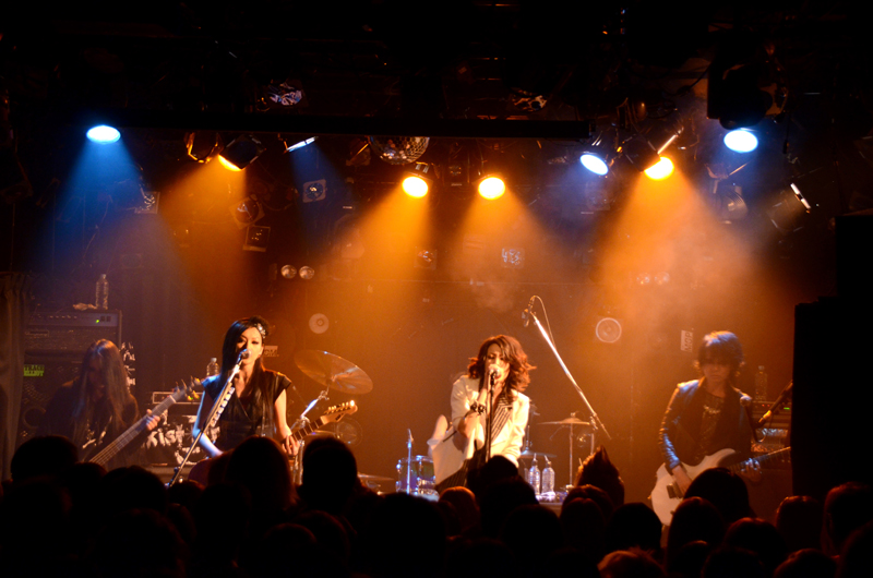 JRock247-exist-trace-The-New-World-2013-live-1713
