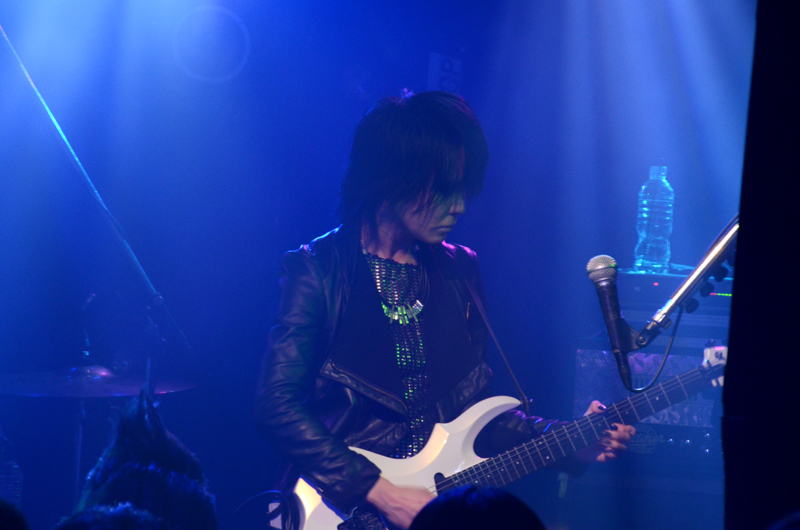 JRock247-exist-trace-The-New-World-2013-live-1783