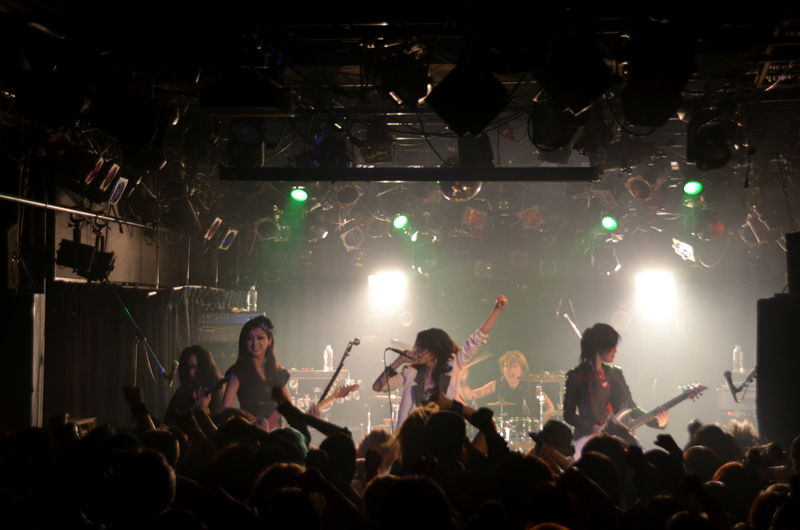 JRock247-exist-trace-The-New-World-2013-live-2154