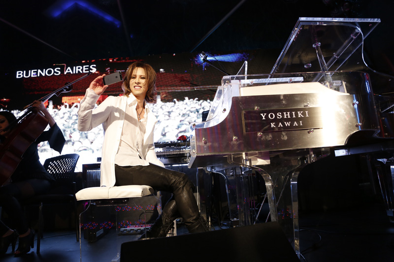 JRock247-Yoshiki-Grammy-exhibit-01