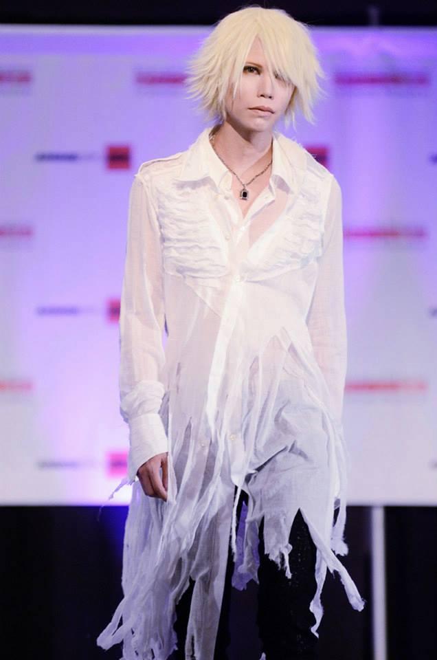 Jrock247_Shinya_HNAOTO_Outfit2