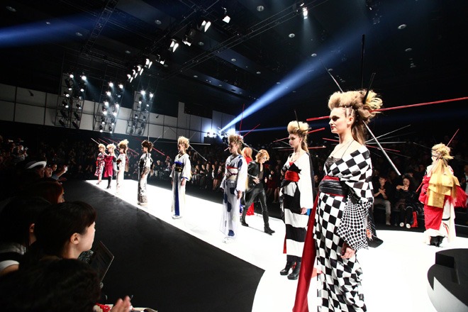 JRock247-Yoshiki-YOSHIKIMONO-Japan-Fashion-Week-2015-B