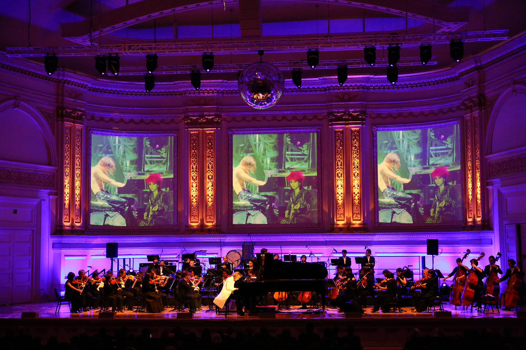 JRock247-Yoshiki-Classical-Carnegie-Hall-G0197
