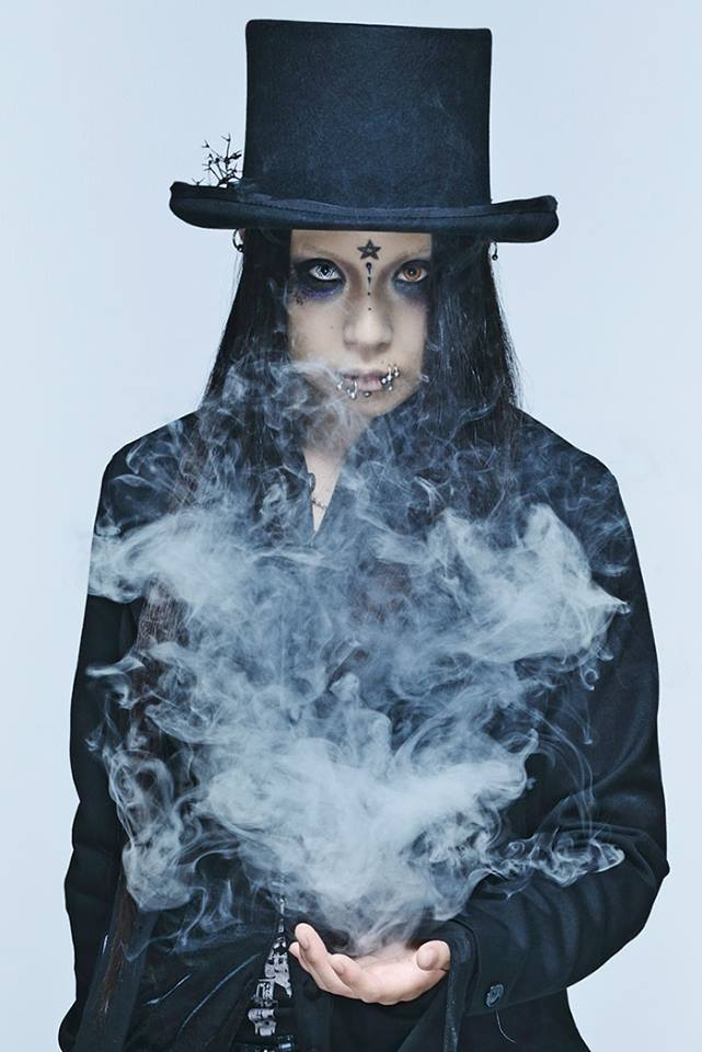 JRock247-exist-trace-Royal-Straight-Magic-interview-2017-Naoto