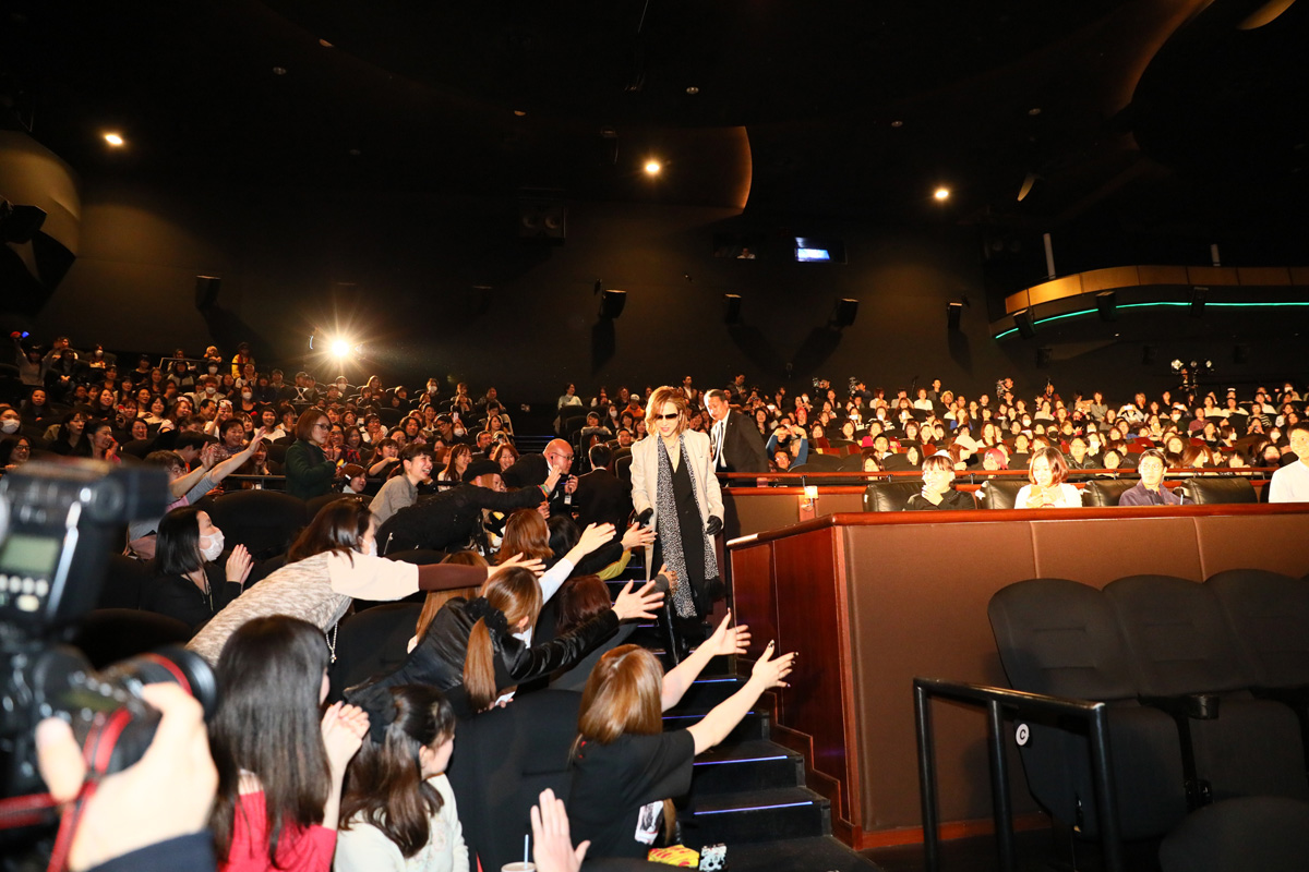 JRock247-X-Japan-We-Are-X-Yoshiki-Theater-2017-0045