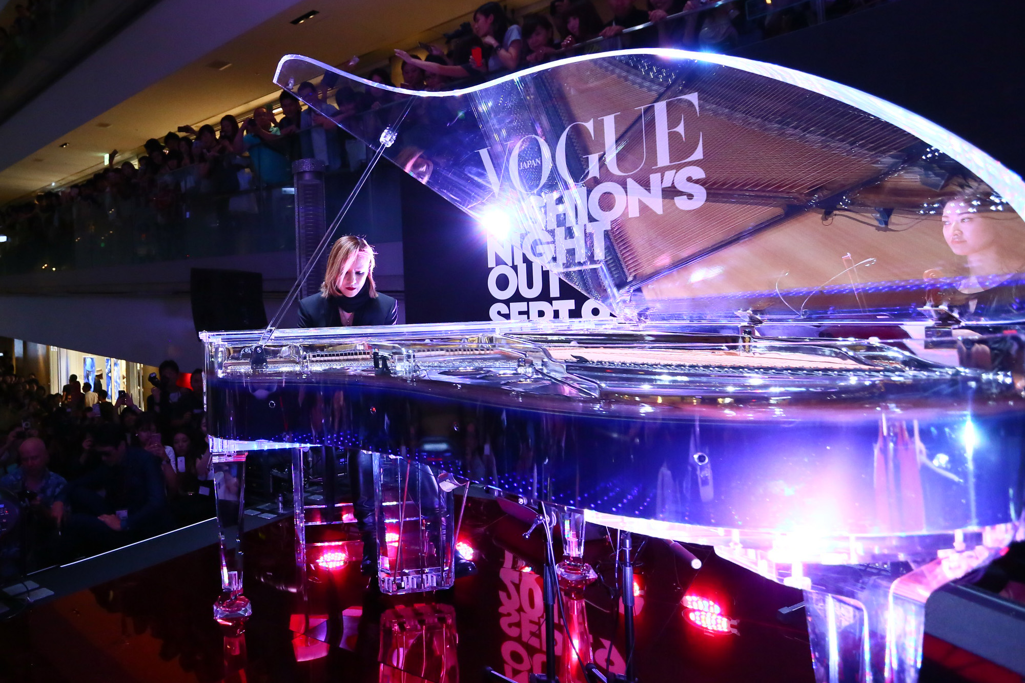 JRock247-Yoshiki-Vogue-Fashion-Night-Out-Japan-2017-0047cr