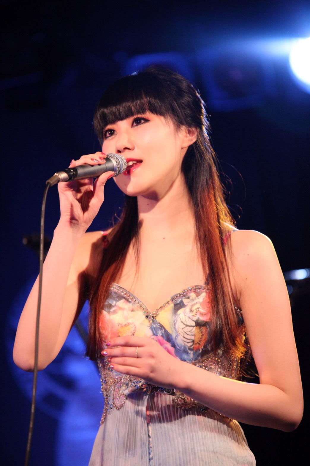 JRock247-Yoko-Hamasaki-Interview-2017B