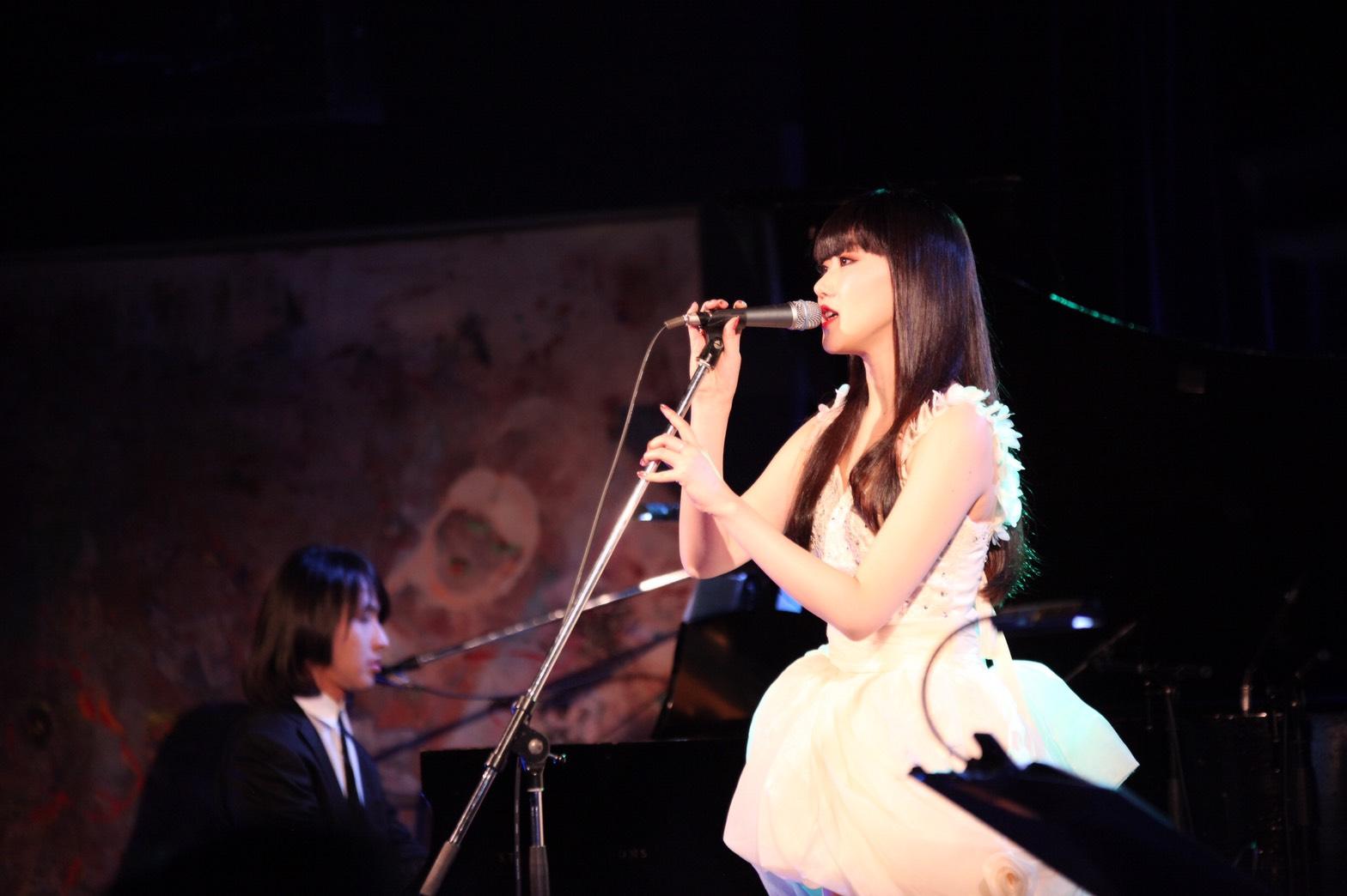 JRock247-Yoko-Hamasaki-Interview-2017D