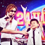 YOSHIKI gives inspiring performance with young blind drummer at Budokan