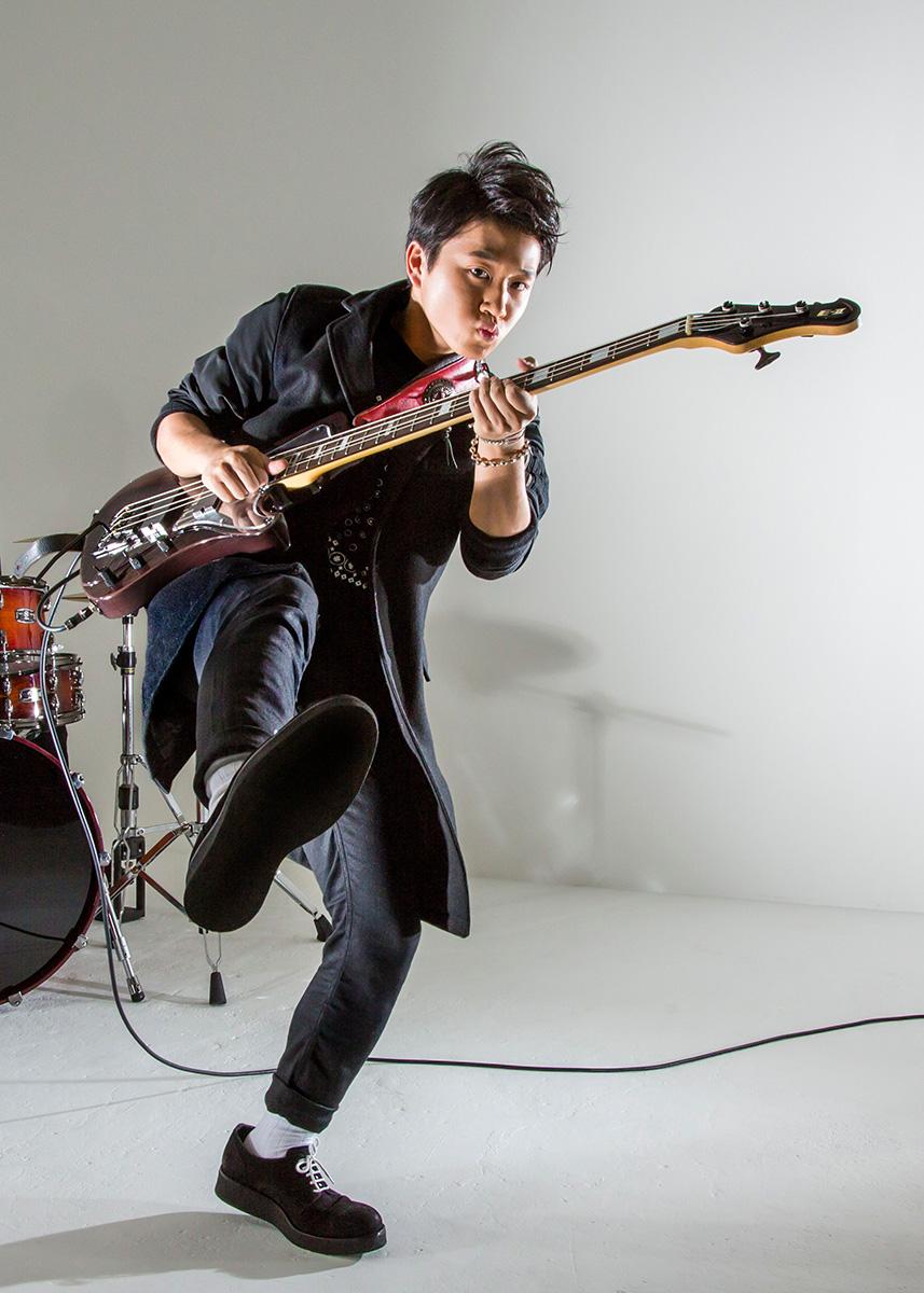 ASTERISM bassist MIYU
